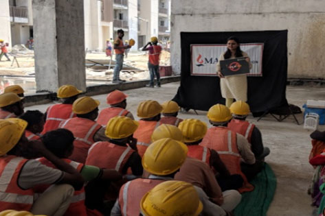 Anti Tobacco Session for construction worker with help of MIF's Anti Tobacco Flipbook